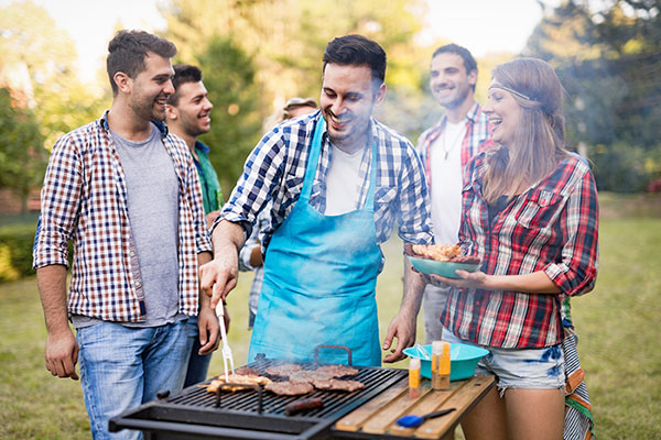 Why Are Backyard Parties So Popular?