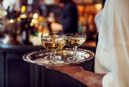 What To Expect At Your First Cocktail Party