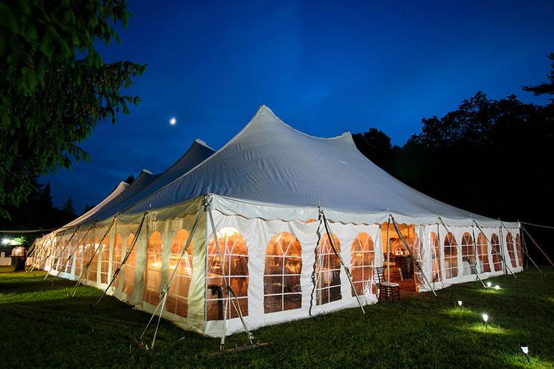 5 Tips For Hosting A Large Wedding