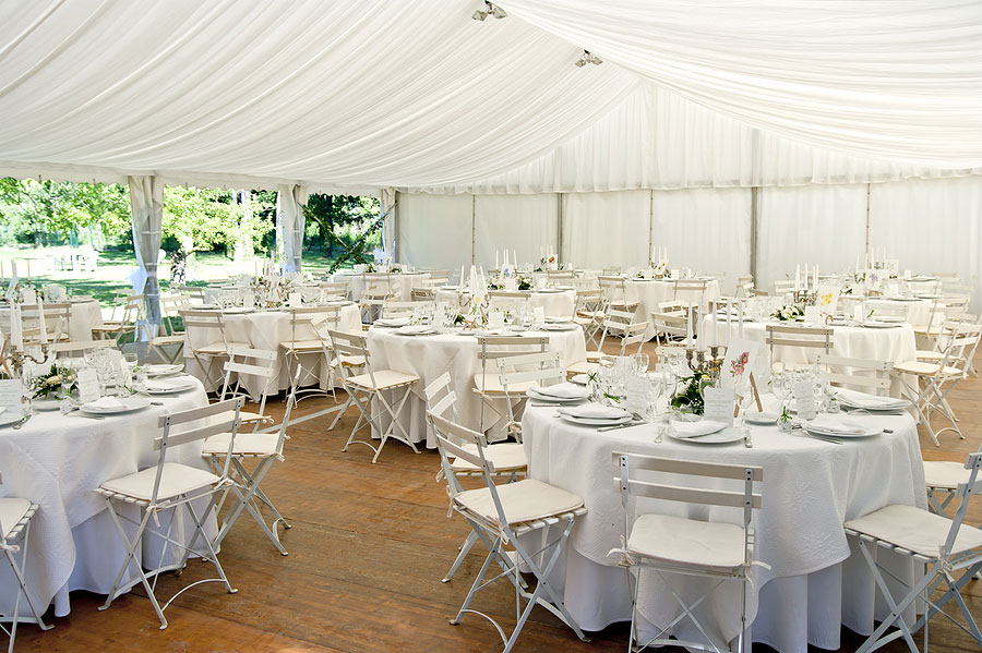 5 Must-Have Rental Tent Accessories for Your Party