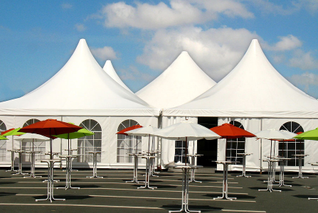 3 Advantages of Renting a Tent for Outdoor Celebrations