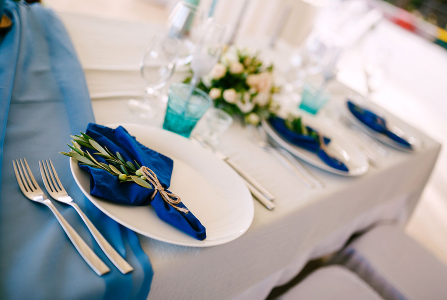 4 Reasons to Consider a Wedding Linen Rental for Your Wedding